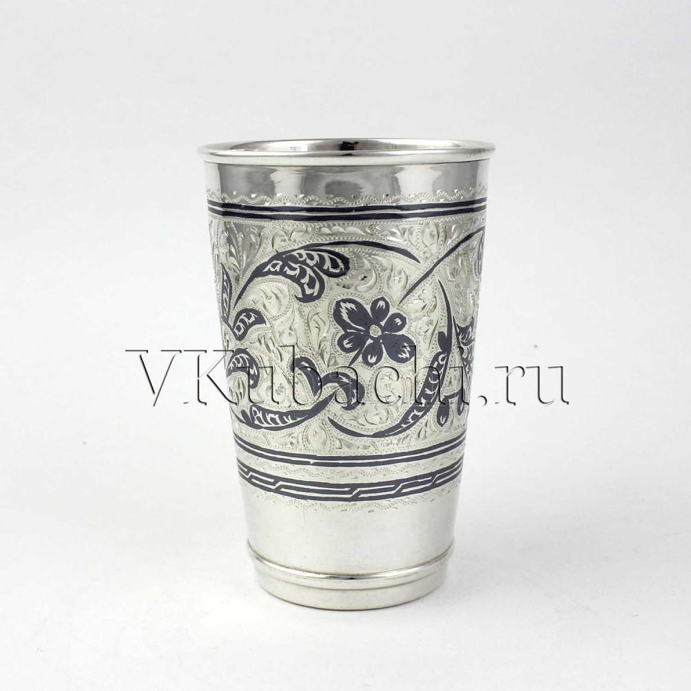 Серебряный стакан
